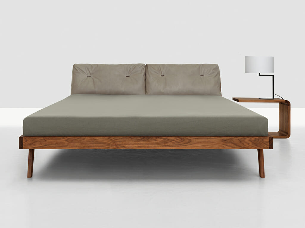 bett nussbaum 180x200 excellent caro bett doppelbett mit vierkantfen buche kernbuche massiv x. Black Bedroom Furniture Sets. Home Design Ideas