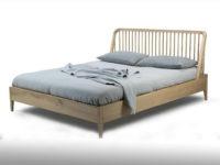 Bett in Eiche