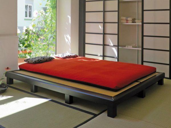 Futonbett mit Tatami und Futon