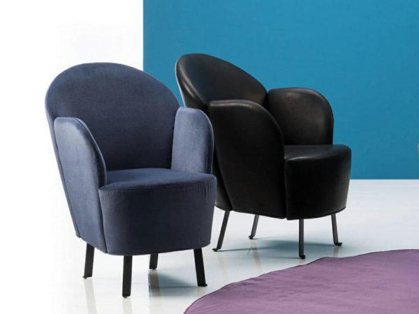 Sessel und Sitztonnen