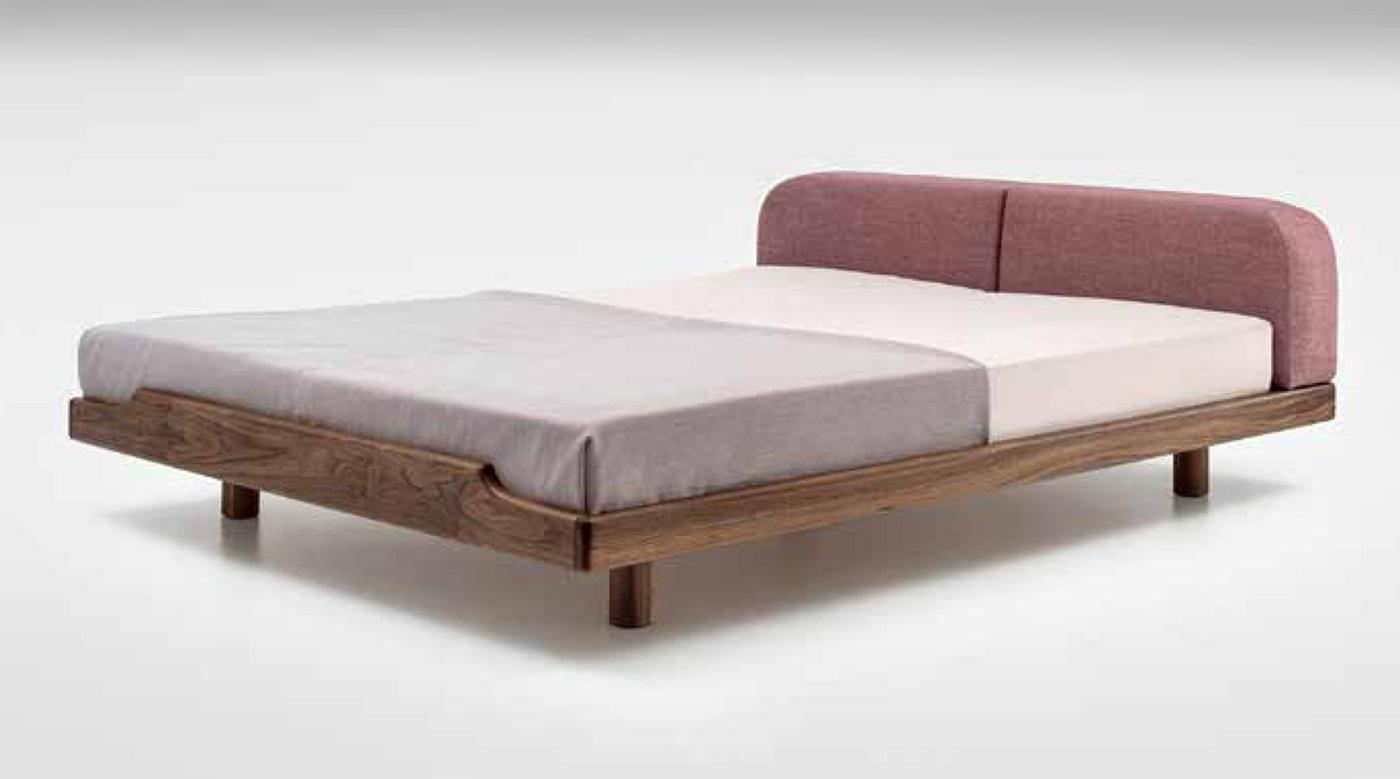 Minimalistisches Bett