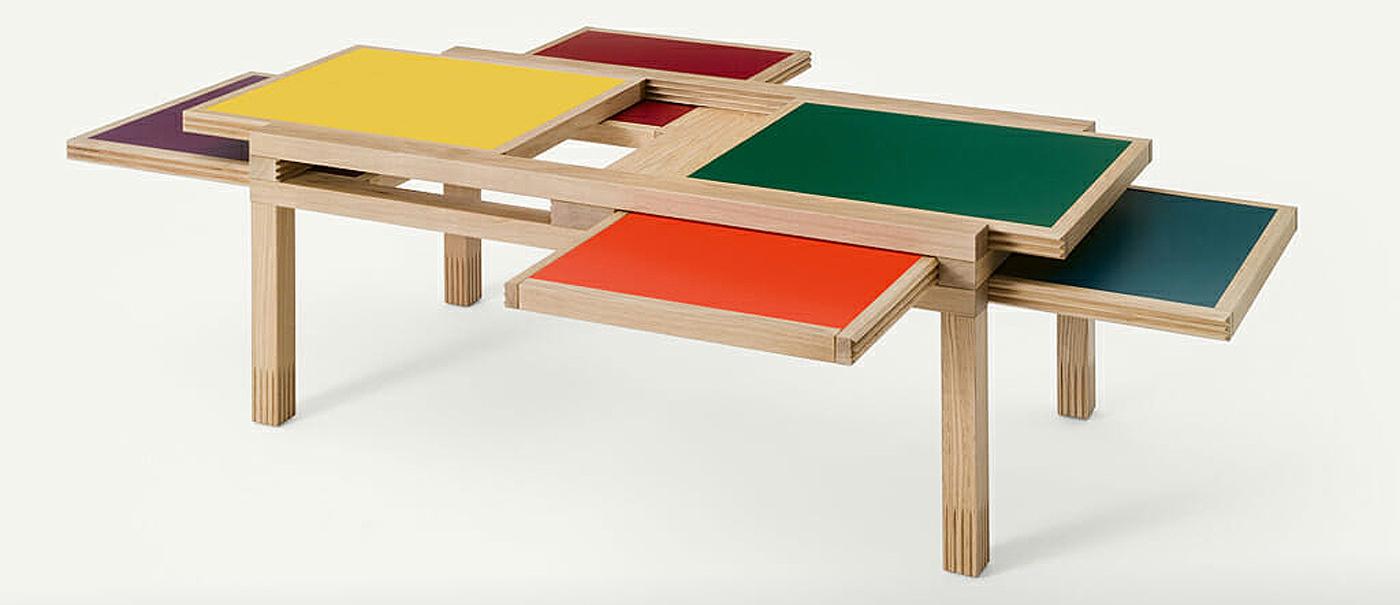 Tisch mit 6 Wendeplatten