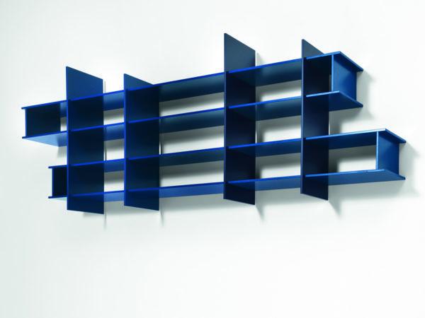 Hängeregal in blau
