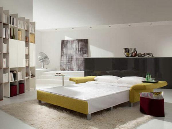 Bett im Raum