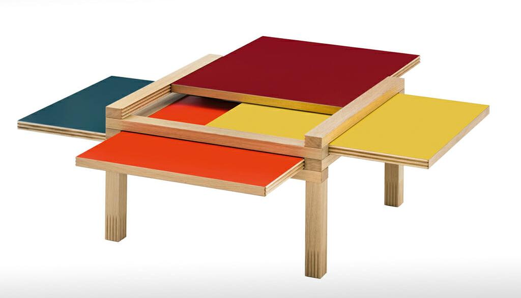Tisch mit 4 Wendeplatten