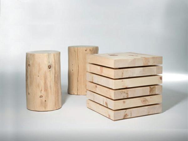 Zirbenholz-Nachttisch und Hocker